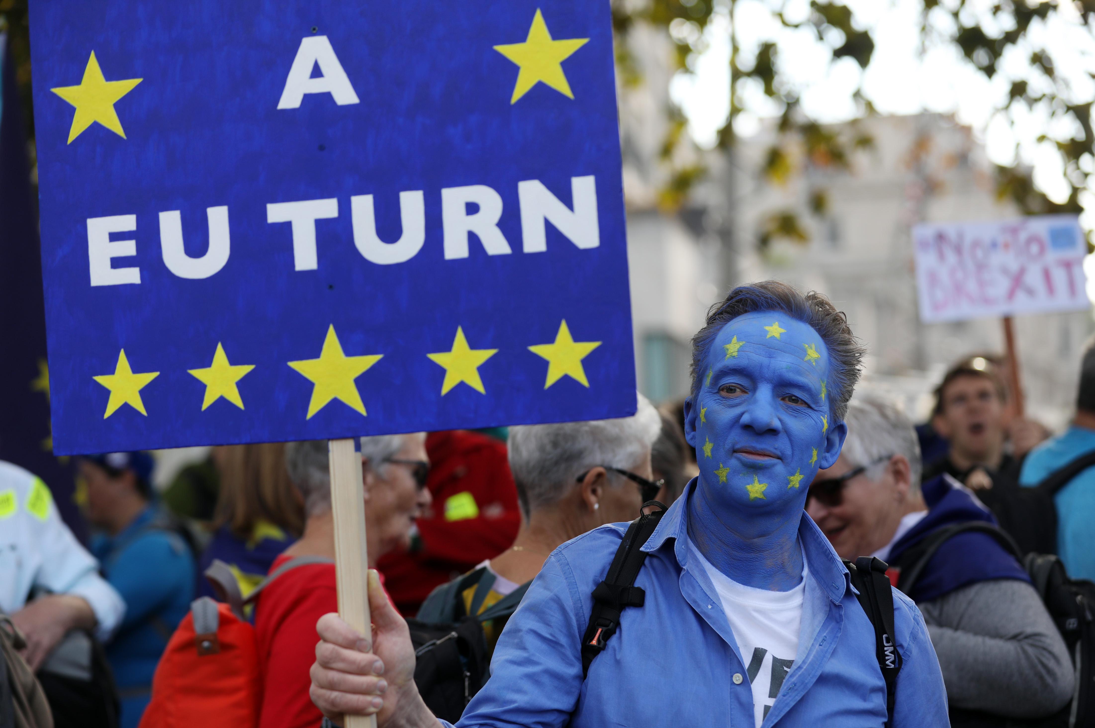 Oficial UE: Marea Britanie poate cere din nou să aderare la UE după Brexit
