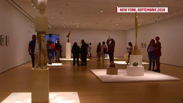La New York, americanii îi dedică lui Brâncuși o expoziție. În România, vicepremierul taie panglica la replici