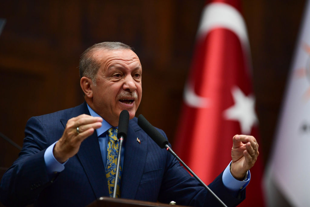 """Preşedintele turc Erdogan declară că vrea să """"repună pe şine"""