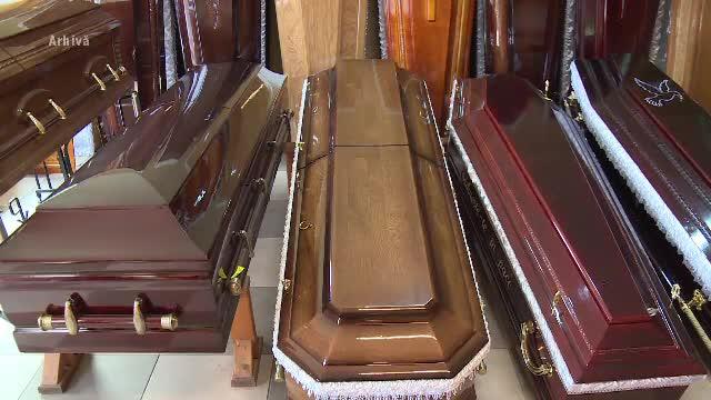 Ce s-a întâmplat după ce constănţenii s-au plâns că arhiepiscopia ar îmbălsăma morți în garaj