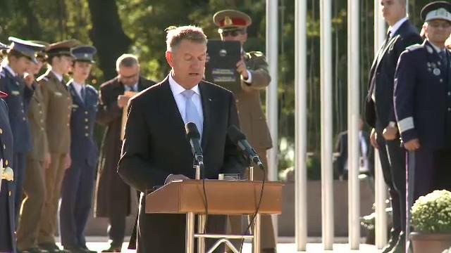 Iohannis și Dăncilă, prezenți la un eveniment organizat de Ziua Armatei Române. Mesajul transmis de cei doi