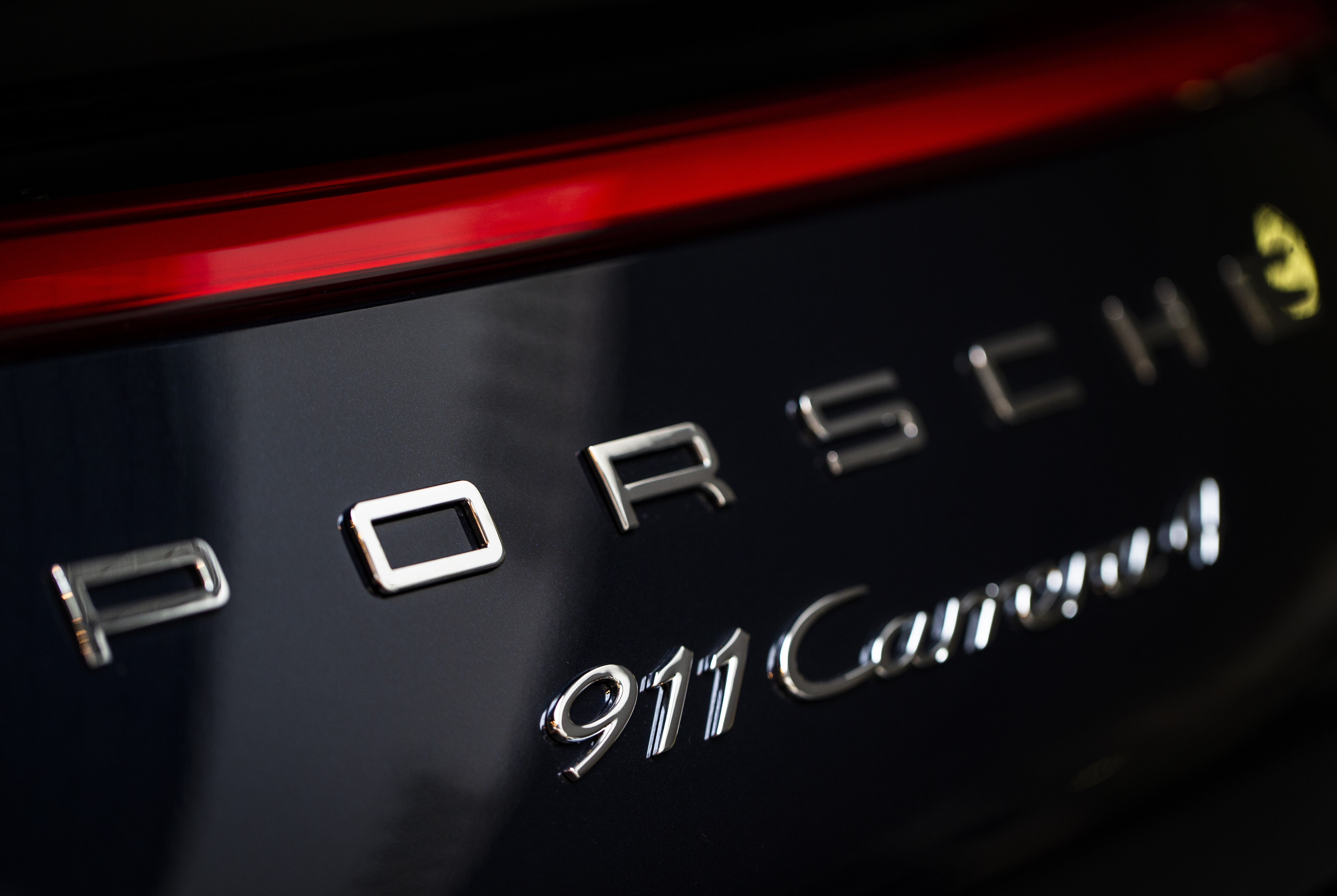 Noul Porsche Cayenne, promovat cu film turnat la noi în țară. Cum au fost convinși să aleagă România