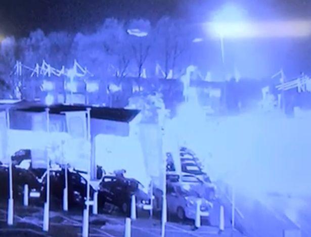 Momentul șocant în care elicopterul patronului de la Leicester City se prăbușește. VIDEO