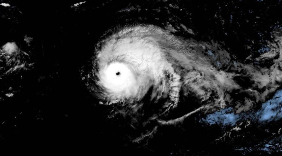 Uraganul Lorenzo ar putea afecta Marea Britanie în următoarele zile