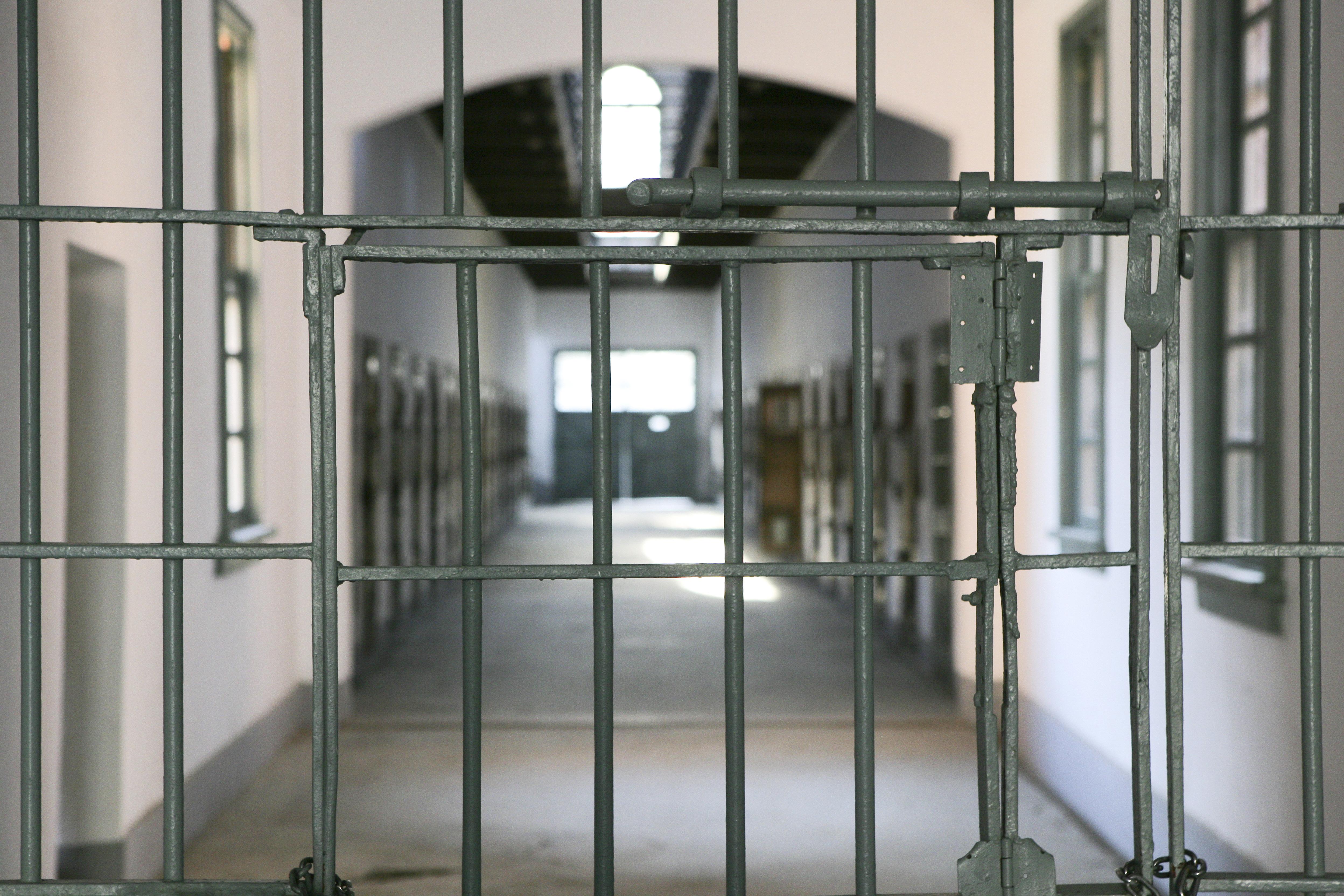 Premieră în închisoarea din Monaco. Un deținut român s-a sinucis în celulă
