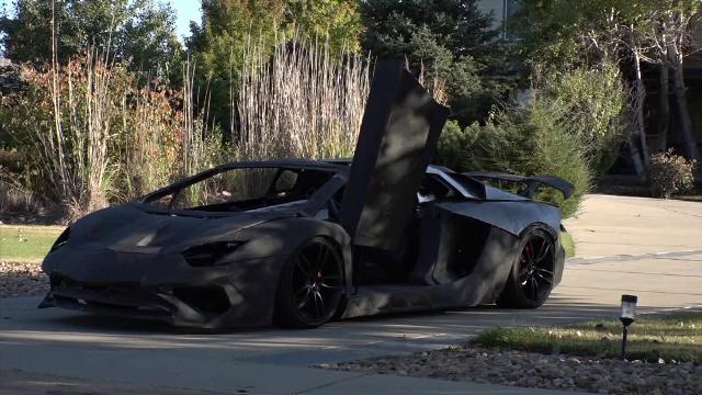 Familia care şi-a făcut în casă un Lamborghini. A costat doar 20.000 de dolari