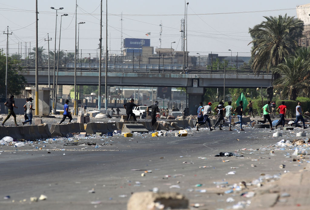 Protestatari împuşcaţi de poliţie în Bagdad, după ce au cerut