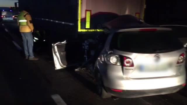 Accident mortal pe A3. Un tânăr de 20 de ani a murit pe loc după ce a intrat într-un TIR