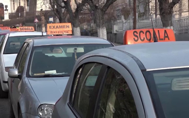 Pedepsele primite de doi polițiști care cereau mită și favoruri sexuale tinerelor care voiau să obțină permisul auto