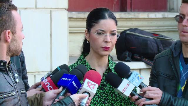 Ana Birchall, atac la Lia Savonea după decizia CCR: Ar trebui să demisioneze