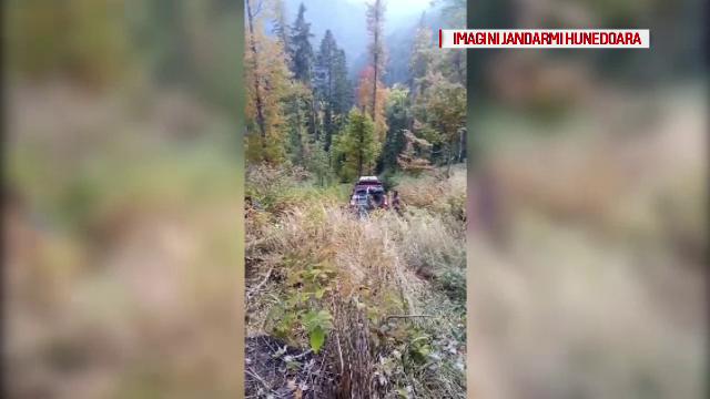 Turiști blocați timp de 10 ore în Munții Retezat după ce s-au aventurat în zone abrupte