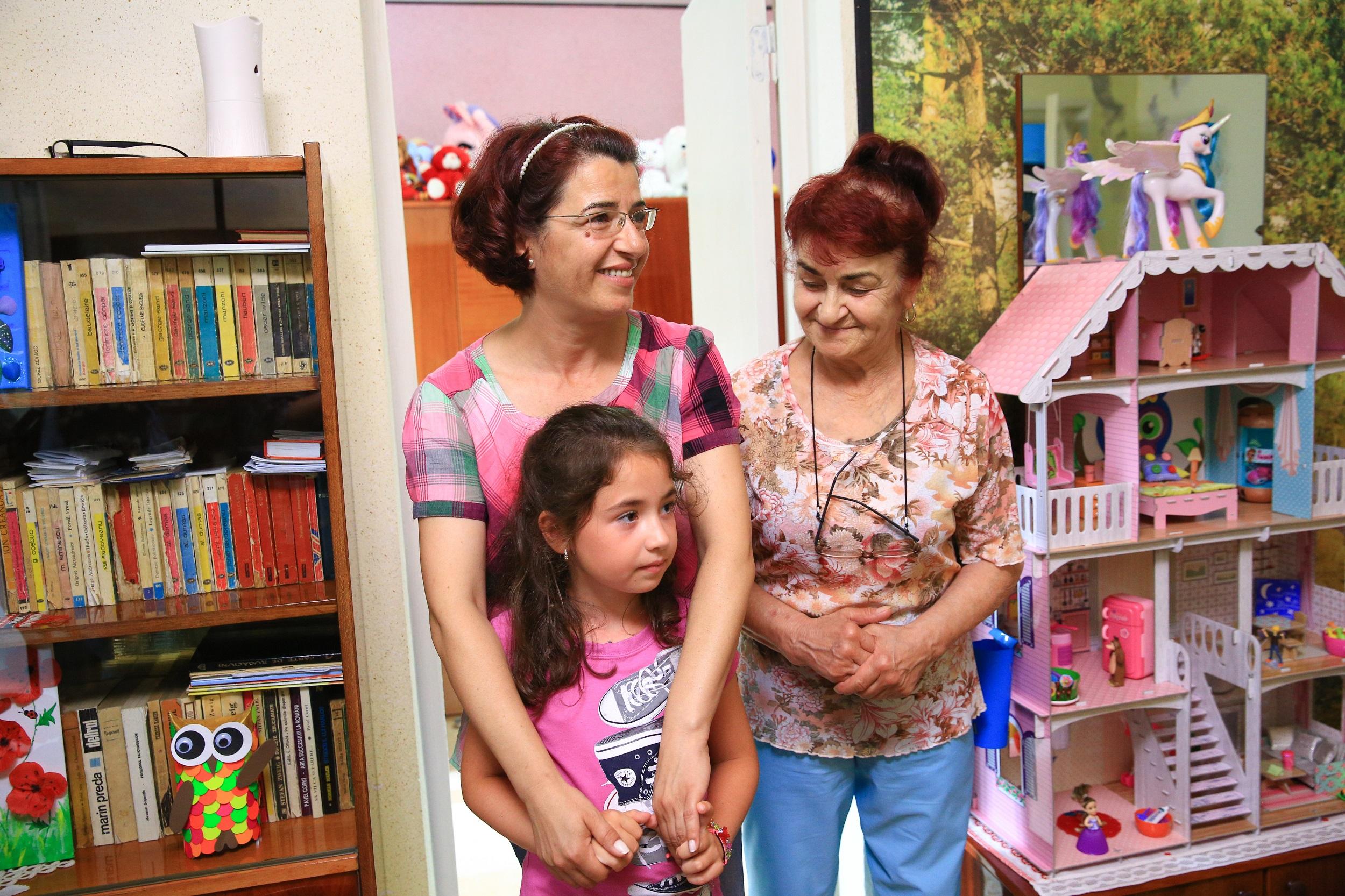 """Dragoș Bucur și colegii lui, impresionați de o fetiță de 8 ani """"Mi-ar plăcea ca mami și tati să fie împreună"""""""