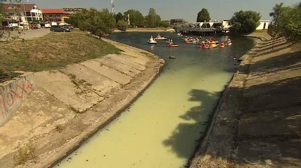 Stațiunea unde turiștii înoată în apă toxică, contaminată cu fecale. Reacția autorităților