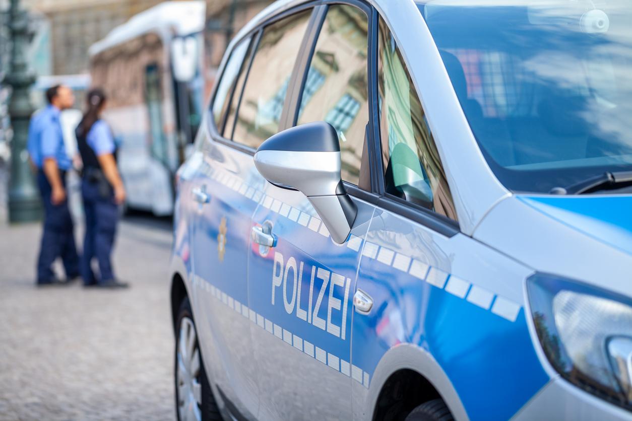 Un bărbat înarmat cu un topor a fost împuşcat mortal de poliţie în vestul Germaniei