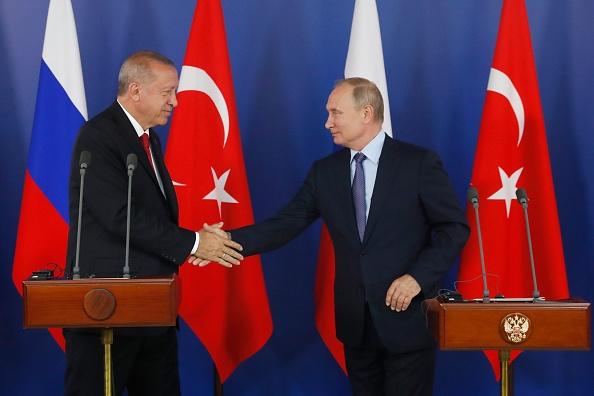 Erdogan, vizită oficială în Rusia. Va discuta cu Putin despre situația din Siria