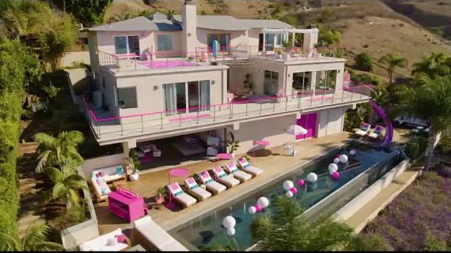 Casa păpușii Barbie este dată spre închiriere. Cât costă o noapte de cazare