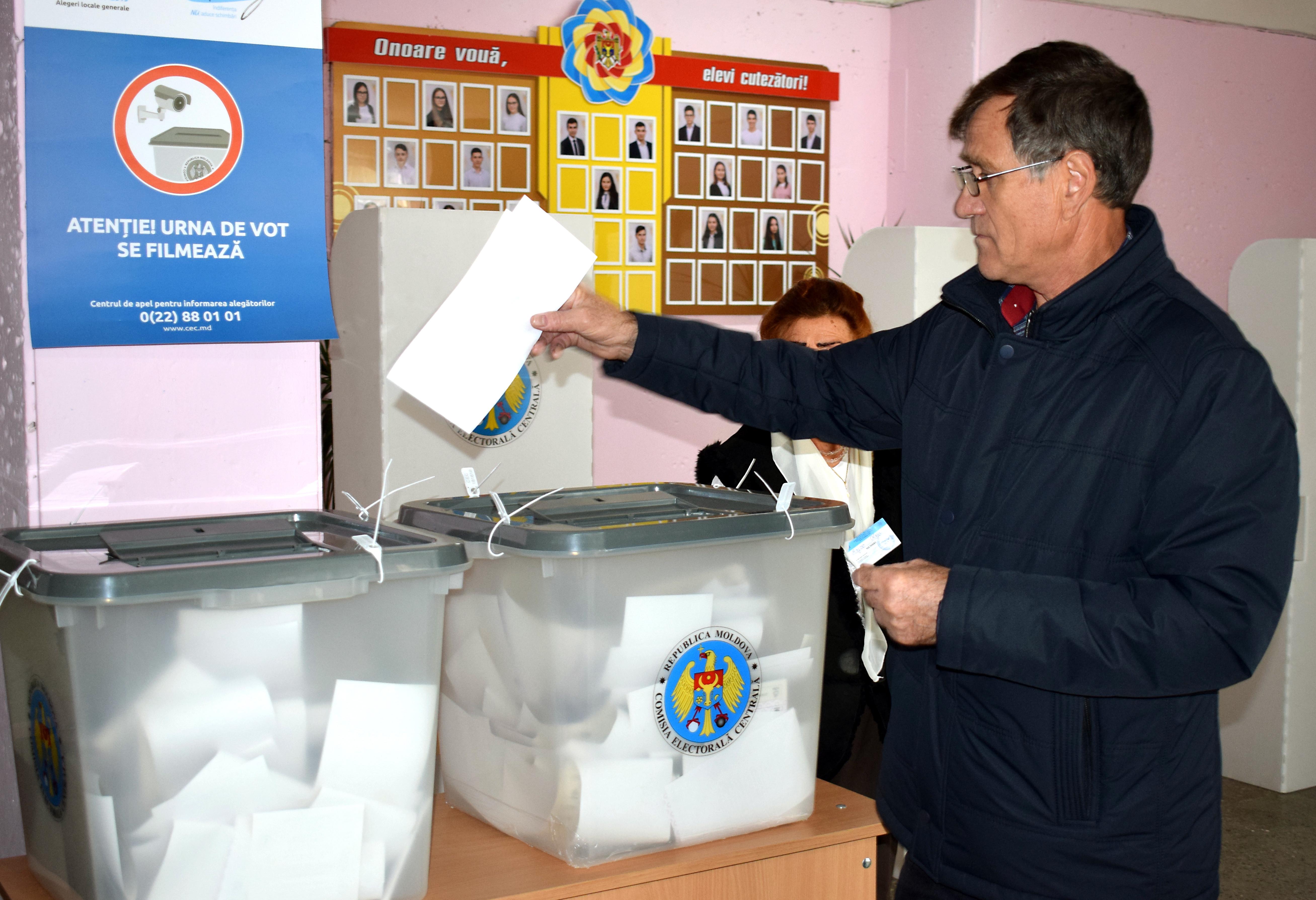 Alegeri locale în Republica Moldova. Cine se luptă în turul 2 pentru primăria Chișinăului