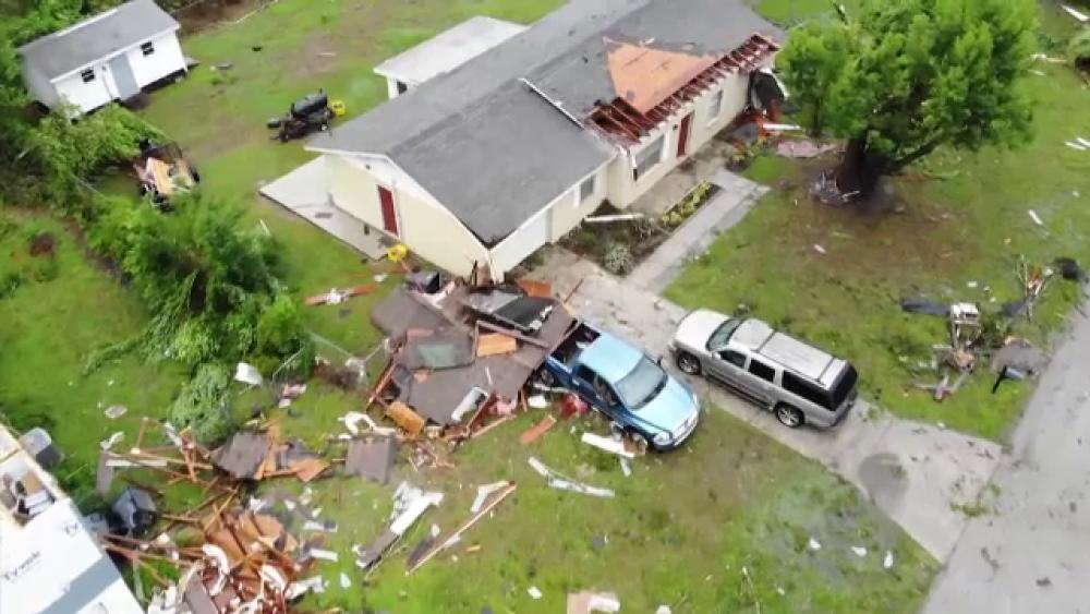 Tornadă devastatoare în Dallas. Peste 100.000 de locuințe au rămas fără curent electric