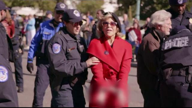 Jane Fonda a fost premiată în timp ce se afla în custodia poliției. De ce a fost reținută