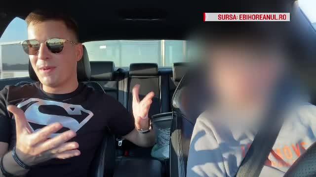 Anchetă după ce un vlogger a lăsat un copil să conducă o mașină. Cine deține autoturismul
