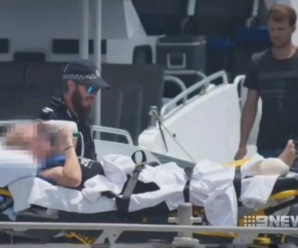Momente de groază pentru doi scafandri. Au fost atacați de un rechin uriaș. VIDEO