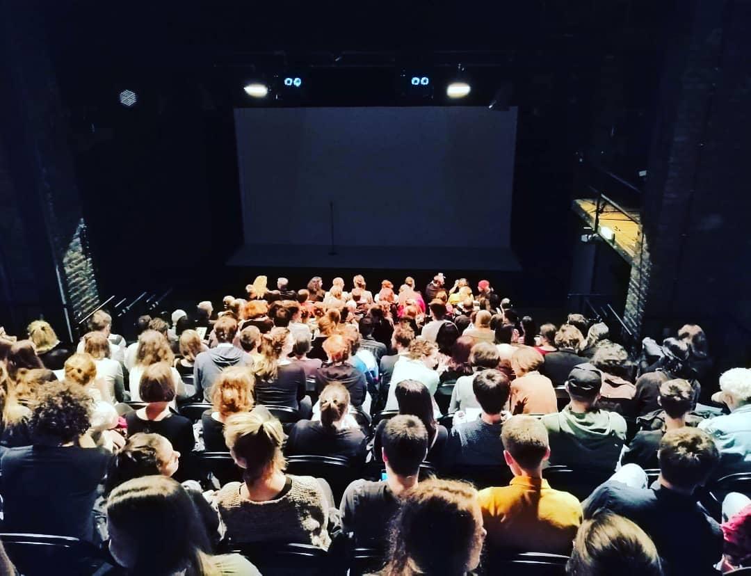 Fără mască la spectacol. Propunerile ministrului Culturii pentru organizarea programelor-pilot