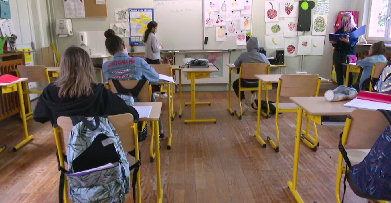 Ce școli, grădinițe și licee din București au intrat în scenariul roșu. Lista oficială