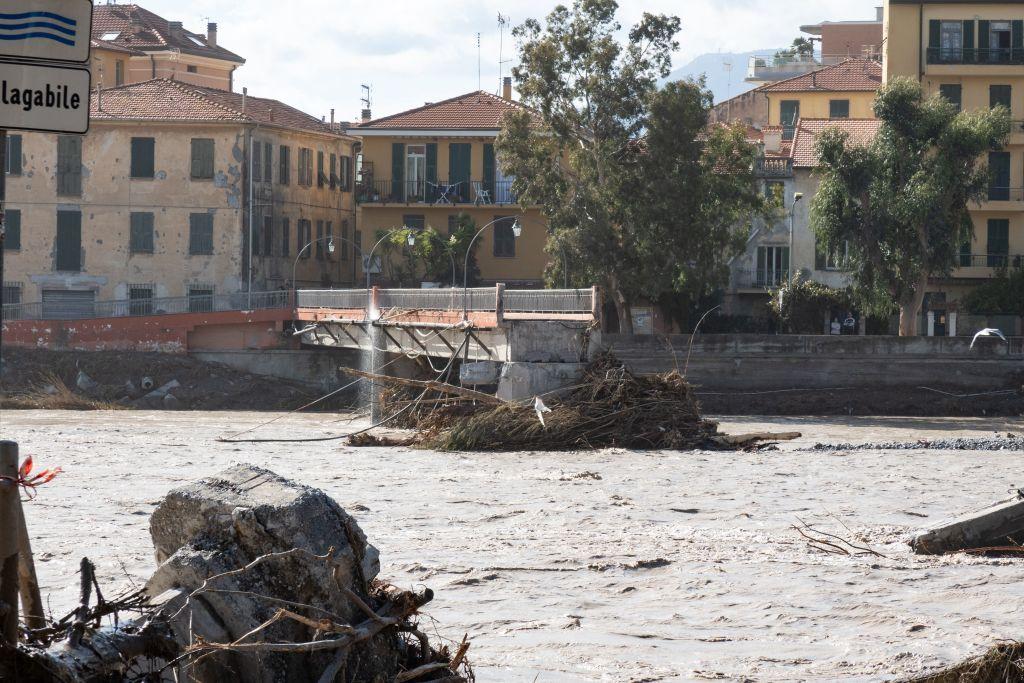 Italia și Franța, devastate de inundații. Viiturile au măturat totul în calea lor