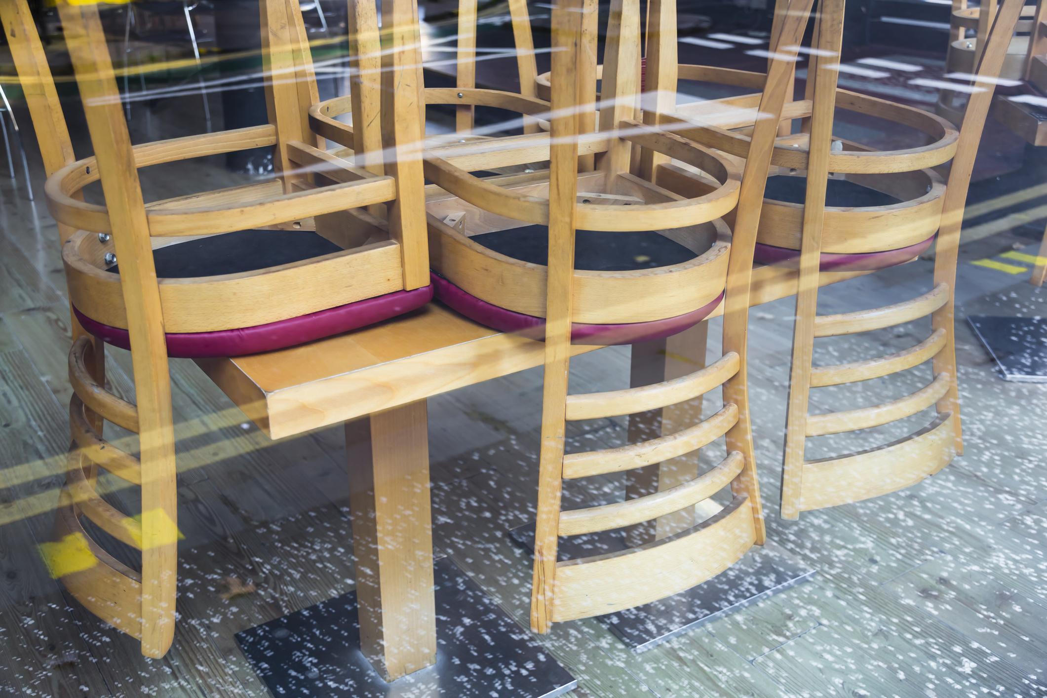 Noi restricții anunțate în București. Restaurantele și cafenelele vor fi închise în interior, începând de miercuri