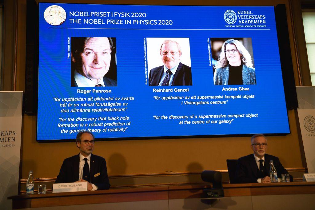 Roger Penrose, Reinhard Genzel şi Andrea Ghez, laureații premiului Nobel pentru Fizică