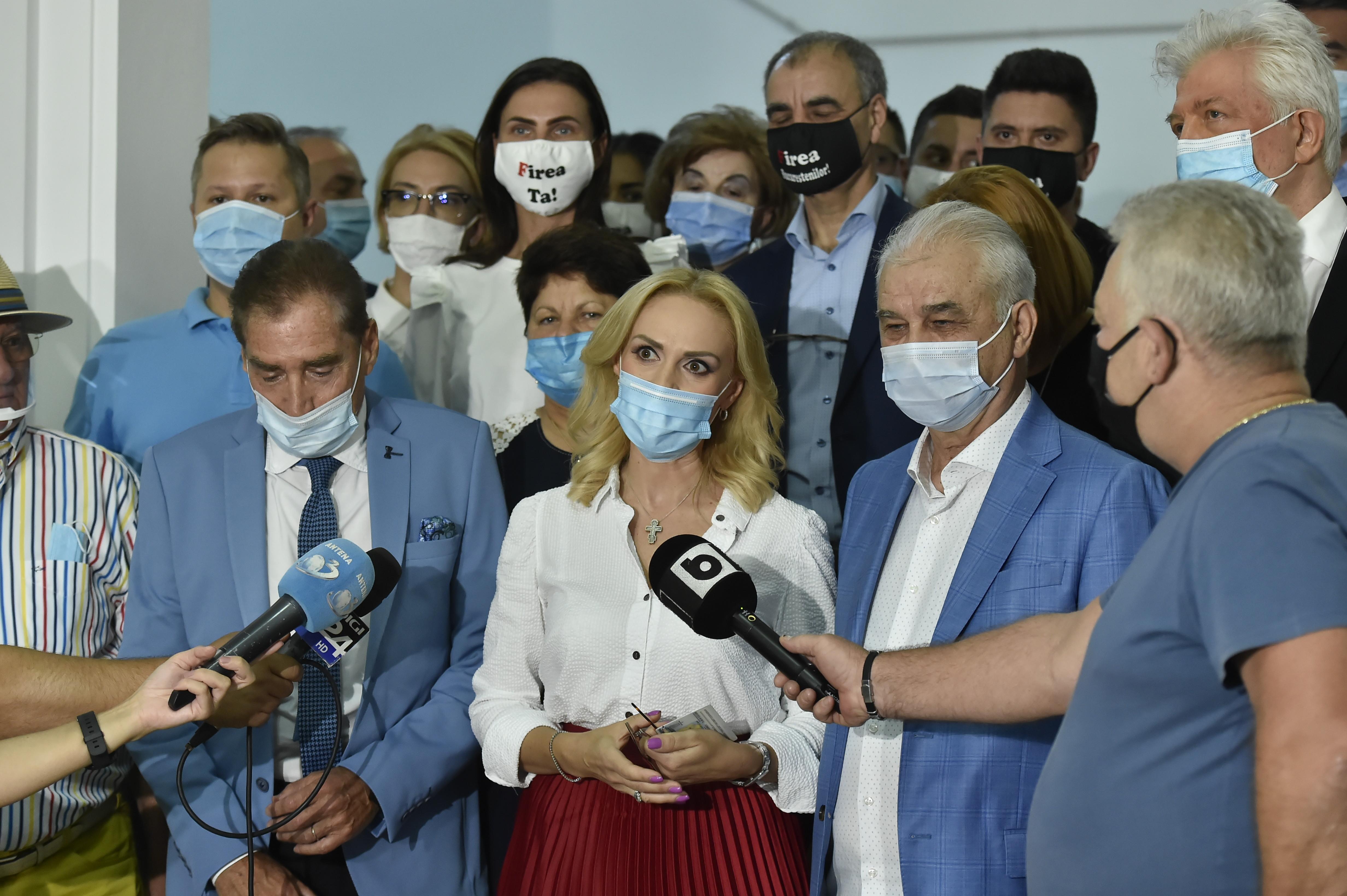 Petre Roman și Cornel Dinu s-au retras de pe lista PSD de consilieri generali ai Capitalei