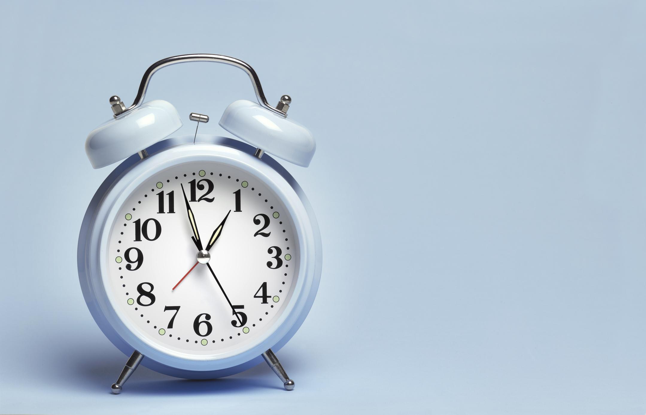 Trecerea la ora de iarnă 2020. Ora 4:00 devine ora 3:00 sâmbătă noaptea