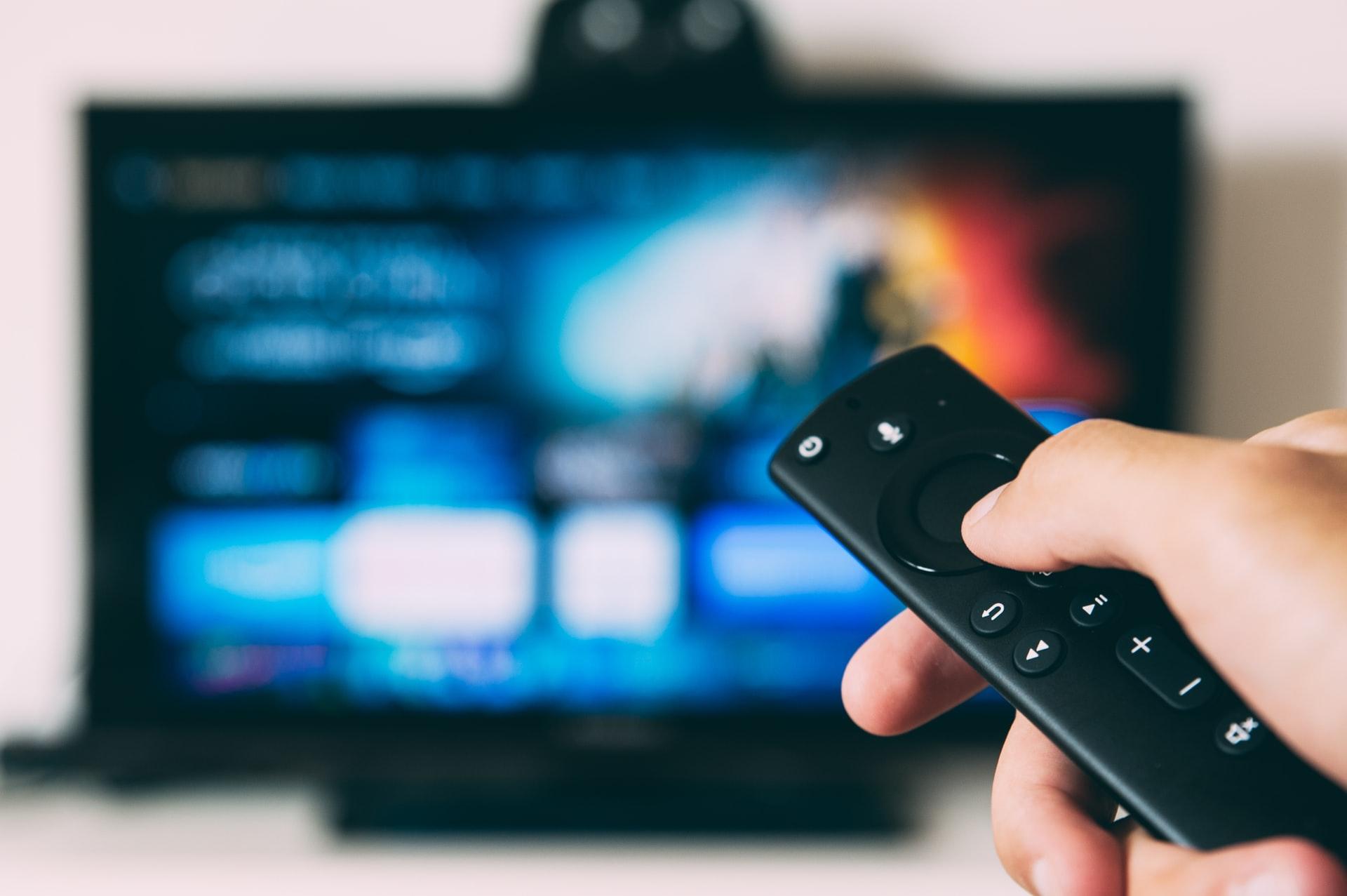 (P) Alege un nou televizor în 10 pași simpli