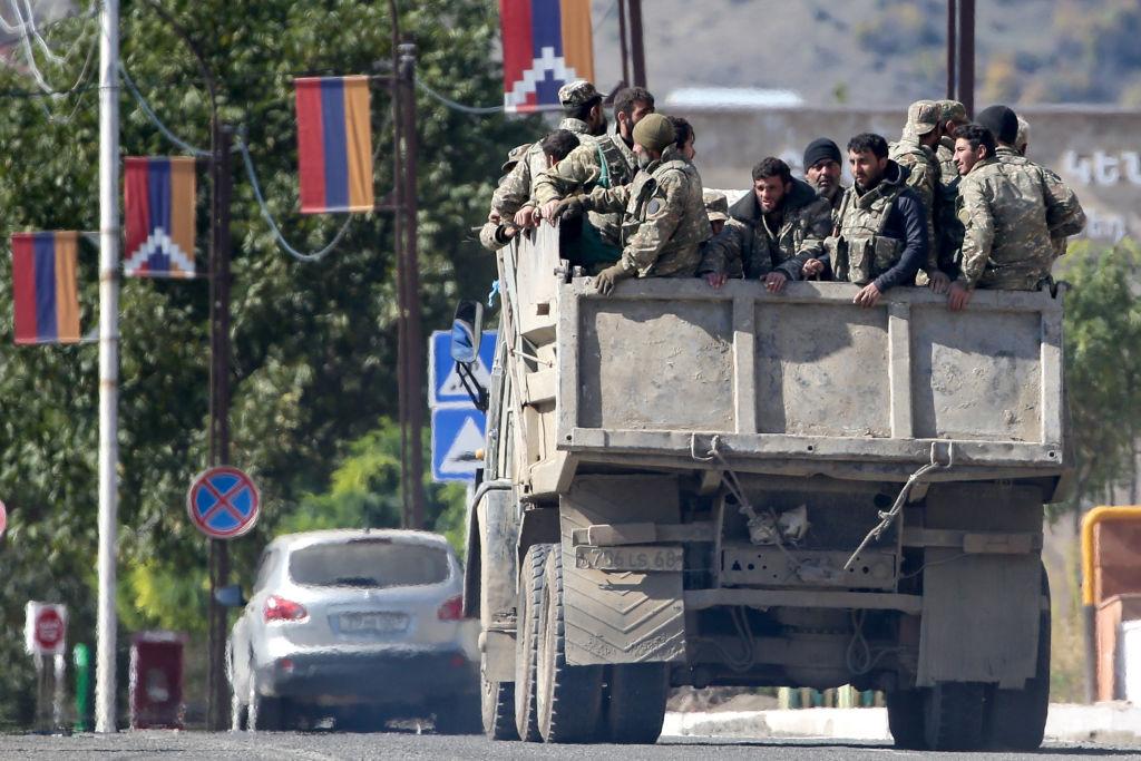 Lupte intense în Nagorno-Karabah. Sute de mii de oameni sunt afectați de conflict