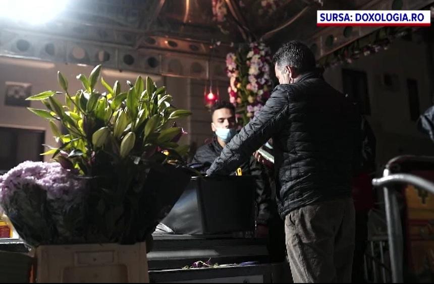 Pelerinajul de Sfânta Parascheva de la Iași. Moaştele au fost scoase din Catedrala Mitropolitană