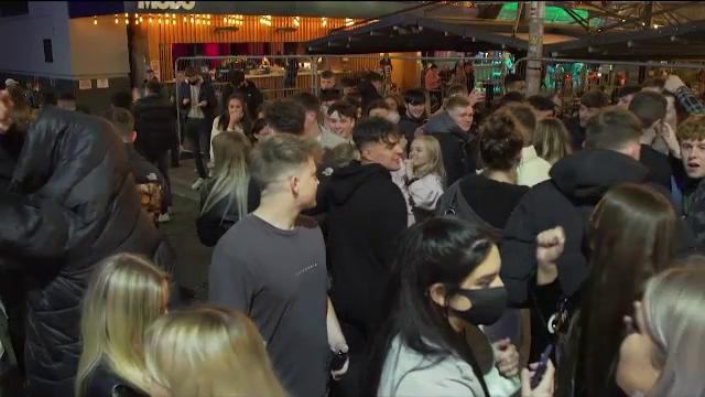 Petrecere de majorat din Caraș-Severin, întreruptă de poliţişti. Zeci de persoane, amendate
