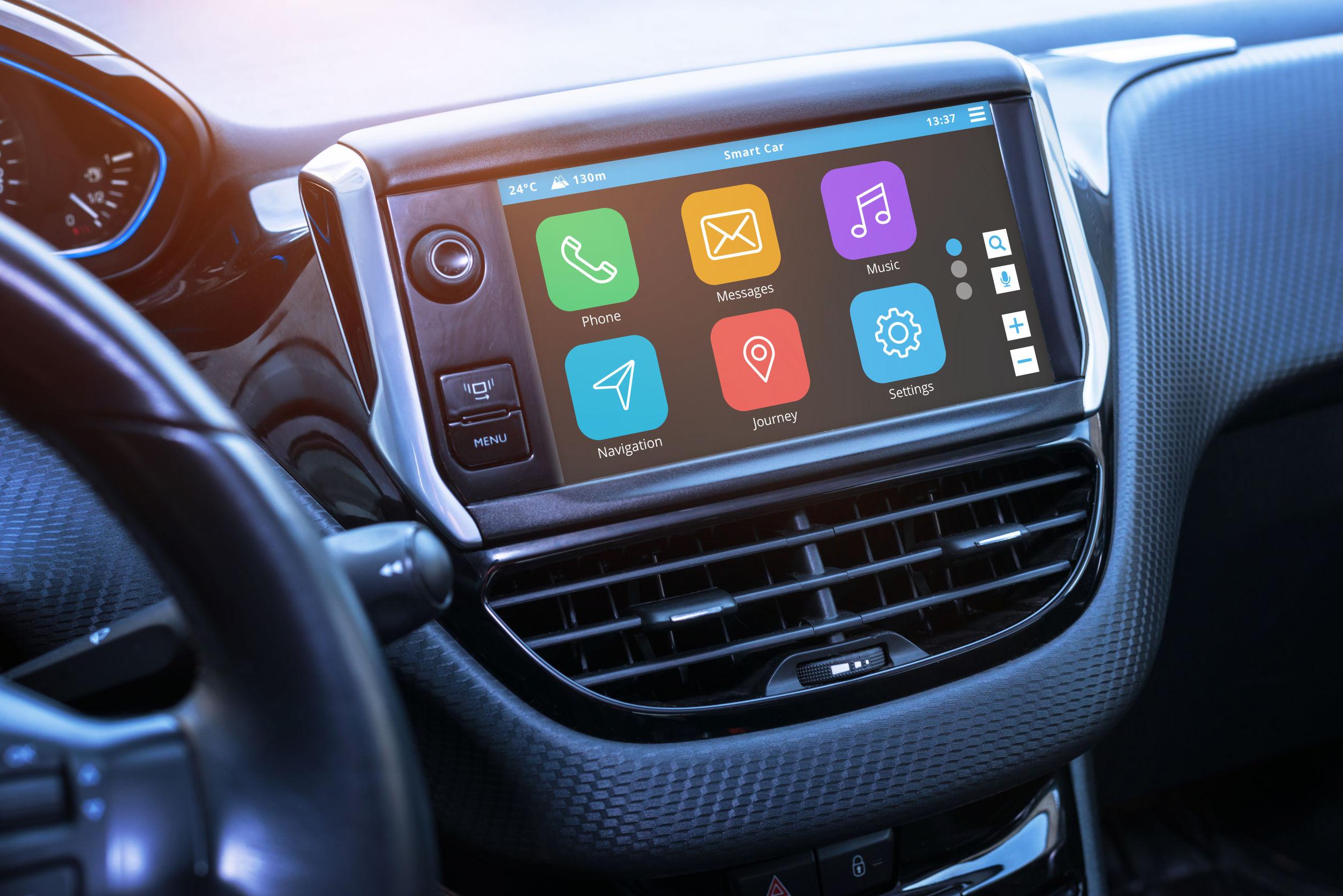 (P) Aplicație GPS pe smartphone sau navigație auto dedicată?