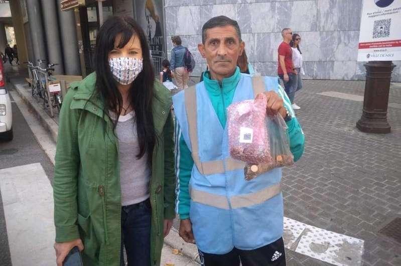 Românul fără adăpost din Nisa care și-a donat banii pentru victimele inundațiilor. Cum a fost răsplătit