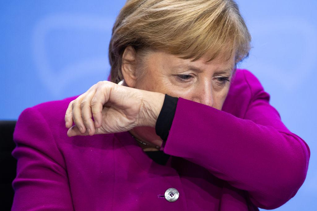 Europa, îngenuncheată de pandemia de Covid-19. Ce țări au impus noi restricții