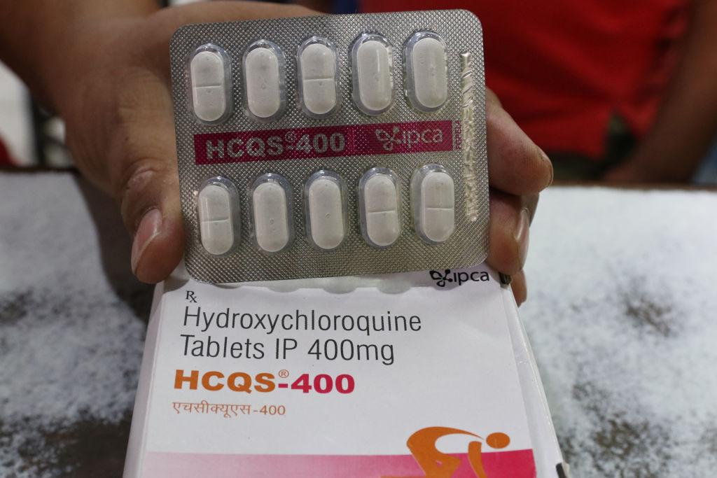 """Specialiști: 2 medicamente folosite în tratamentul Covid în România au """"efecte adverse"""""""