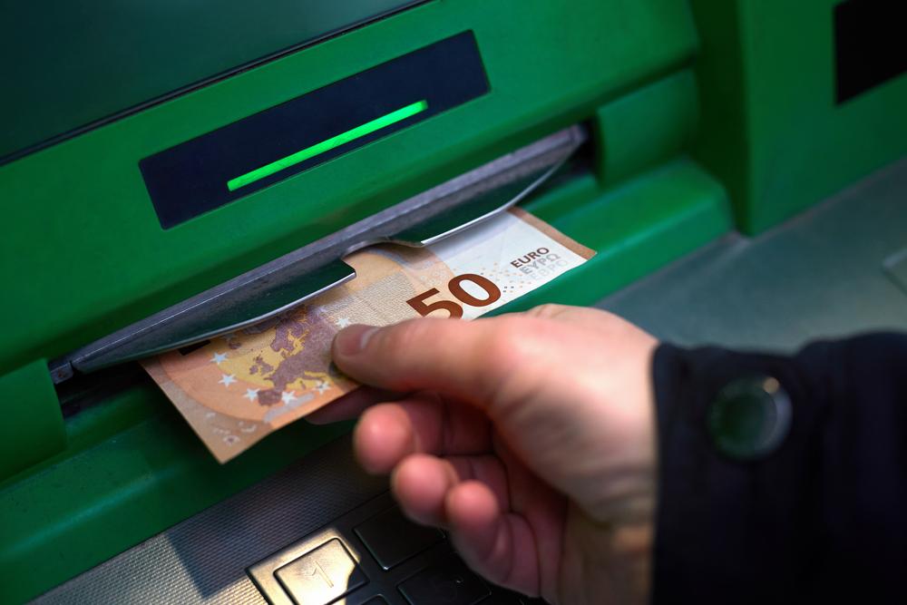 Ce s-a întâmplat în Spania după ce a fost introdus venitul minim garantat, de până la 1.000 de euro