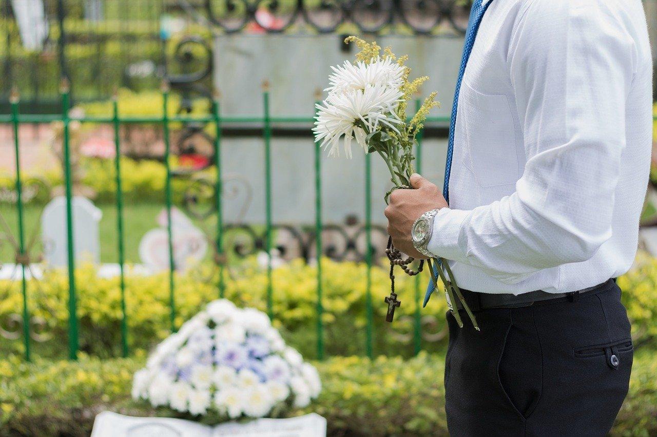 (P) Cum să alegi agenția de servicii funerare potrivită?