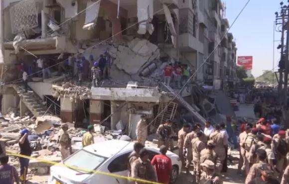 Explozie puternică într-o clădire din Pakistan. 3 persoane au murit și alte 15 au fost rănite. VIDEO
