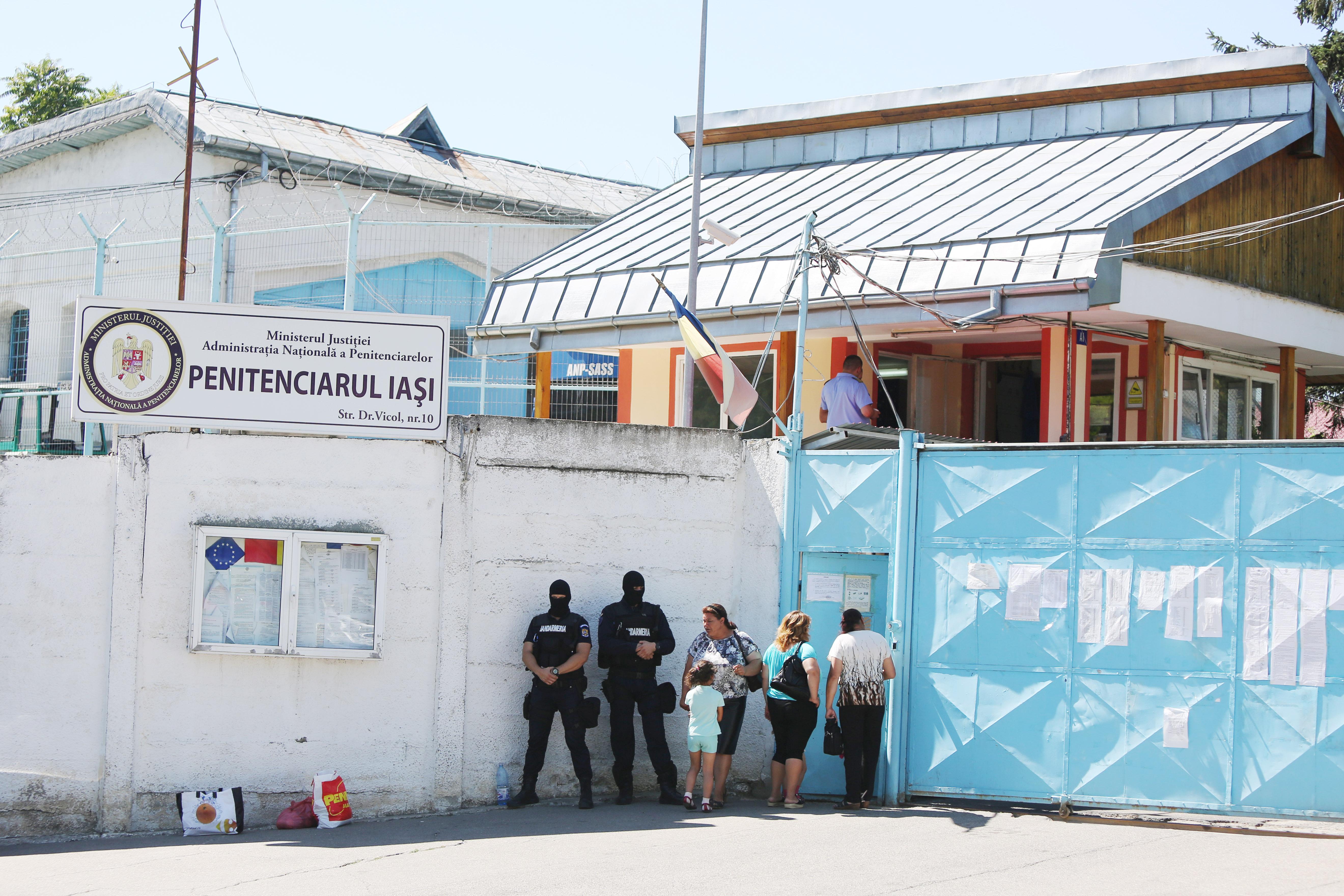 Un deținut a dat în judecată Penitenciarul Iași pentru că nu-i plăcea mâncarea