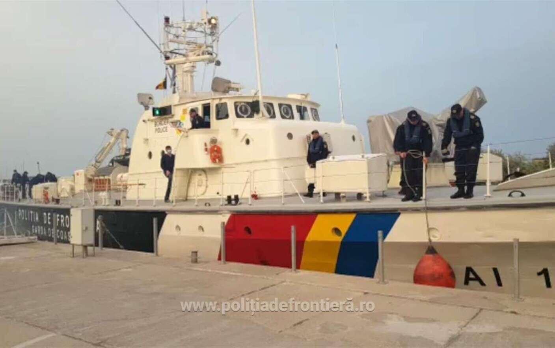 Acuzații grave. Nave românești, parte a misiunii Frontex, ar fi fost filmate când împing migranții înapoi în mare