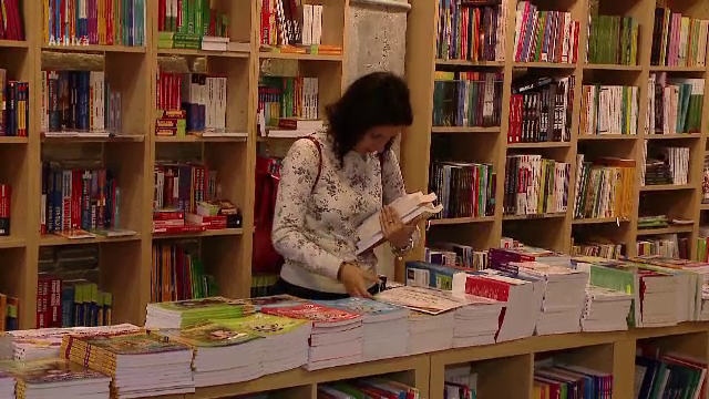 Milioane de vizitatori, cu ocazia celui mai mare târg de carte online. Cât de afectate au fost editurile de epidemie