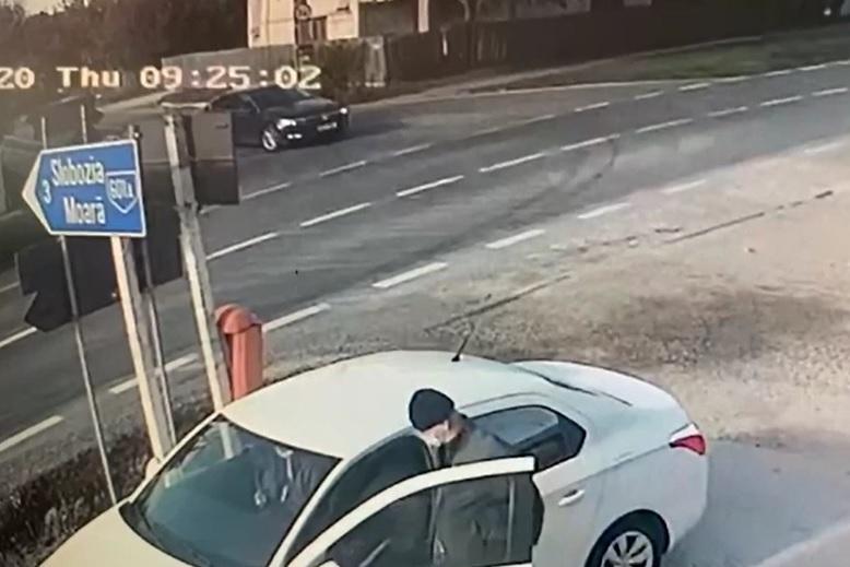 Biciclist de 22 de ani, lovit de șofer de camion care a fugit de la locul accidentului