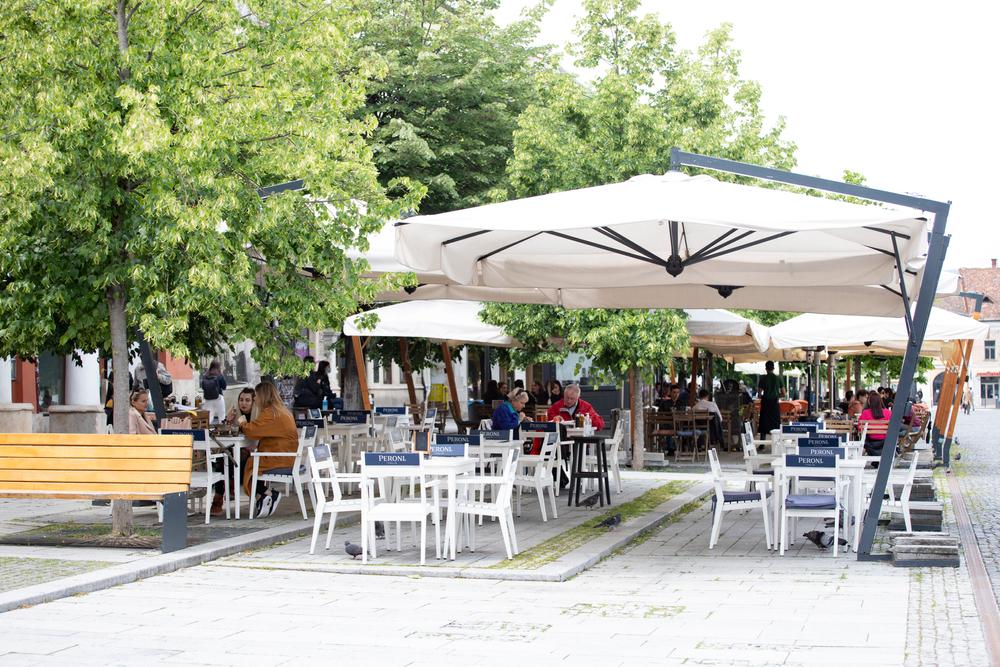 Terasele ar putea rămâne deschise până la 31 decembrie, la Arad