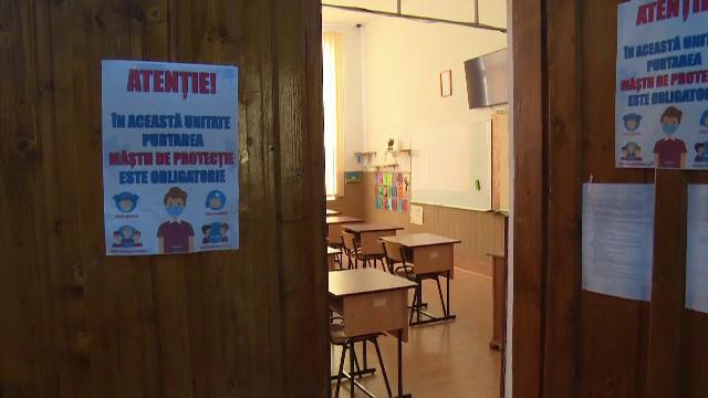 Ordinul prin care se închid şcolile, grădiniţele şi liceele 30 de zile. Ce se întâmplă cu elevii care nu au Internet