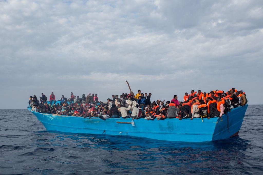 UE a prezentat o nouă strategie privind reîntoarcerea voluntară a migranților în țările de origine